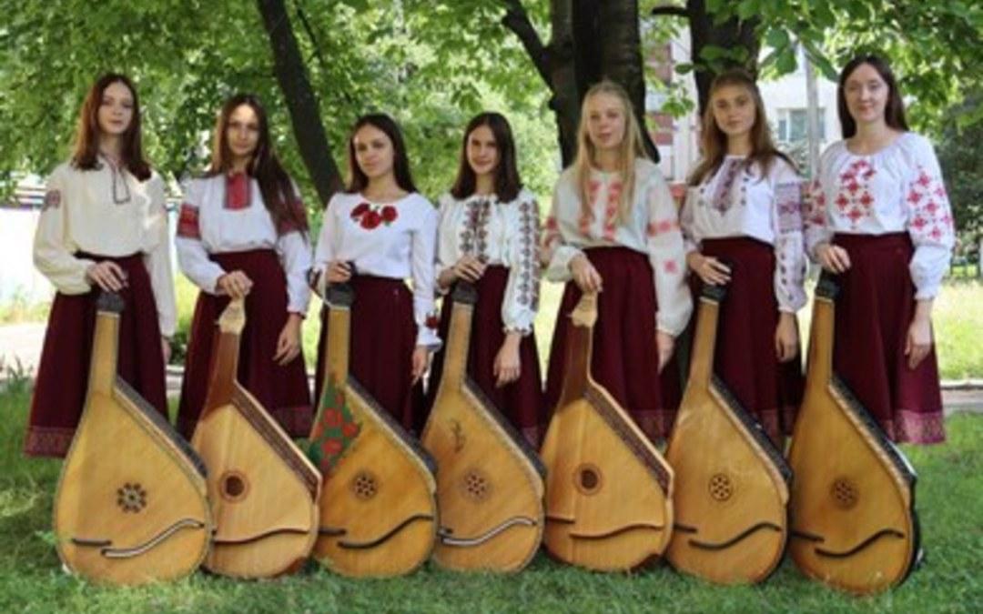 Lvivi zeneiskola növendékei koncerteznek a szegedi könyvhéten