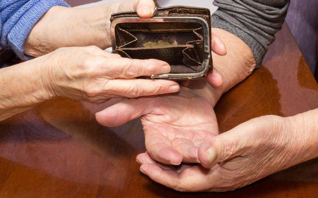 Közel ezer hrivnyás nyugdíjemelést ígérnek Ukrajnában