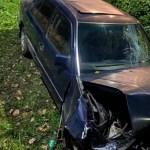 Betonhídnak ütközött egy autó Dolhán