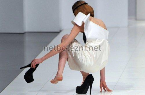 Боли при подвернутой ноге