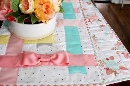 Flamingo Toes Pastel-Ribbon-Table-Runner