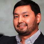 Фейковый миллиардер Кенес Ракишев поддерживает свой загибающийся бизнес за счёт казахских пенсионеров
