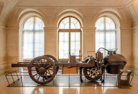 The steam-powered tractor developed by Cugnot