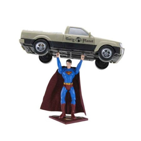 Toy action figure Superman Lifts Car