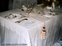 tavola imbandita - allestimento tavolacon portale frutta - la camelia collezioni