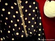 vestiti a pois - blusa in seta manica lunga nera con pois panna abbinata a gonna a pieghe nera - la camelia collezioni