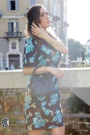 vestiti stampa a fiori - vestito anni 40 motivo floreale con accessori - la camelia collezioni