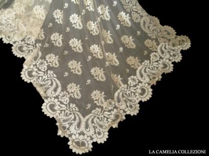 velo da sposa francese - blonda in filo di seta raro esempio metà 800 - la camelia collezioni