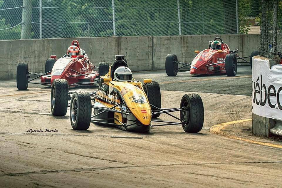 Formula 1600 GP3R racing with an iphone at 230 kph