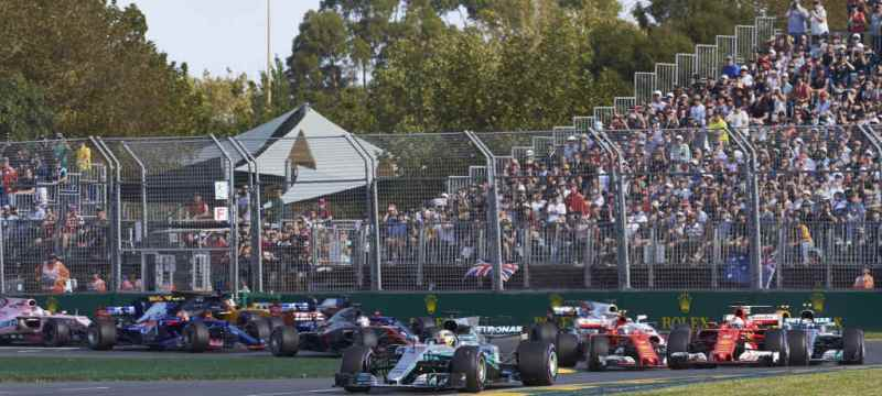 Lewis start Melbourne GP on pole and finishes 2nd due to strategy call