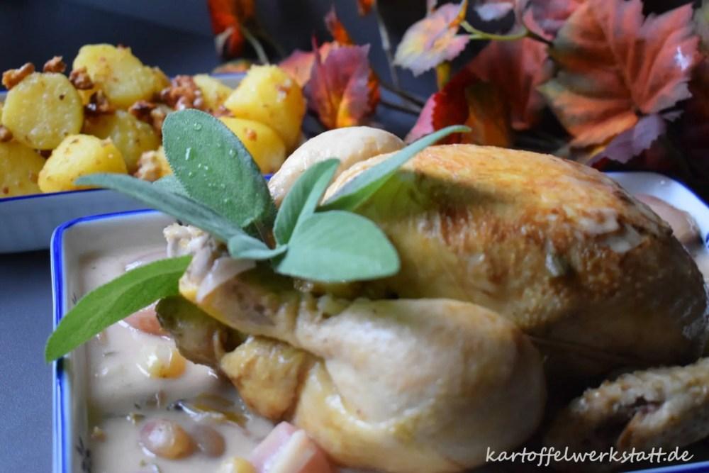 Geschmortes Rieslinghähnchen mit karamelisierten Trauben und Nusskartoffeln