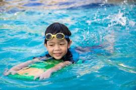 perlengkapan kolam renang