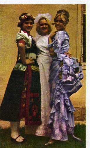 Esküvői Ruhakölcsönzés - 1976