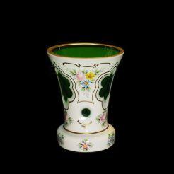 ヴィンテージ・モーゼル、白オーバーレイ花瓶