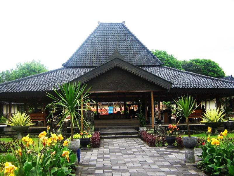 94 Koleksi Contoh Gambar Rumah Adat Jawa Tengah HD Terbaru
