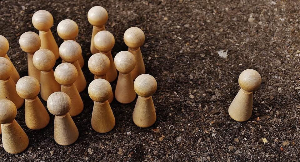 6 Contoh Pidato Perpisahan Yang Baik Dan Benar Menurut Eyd