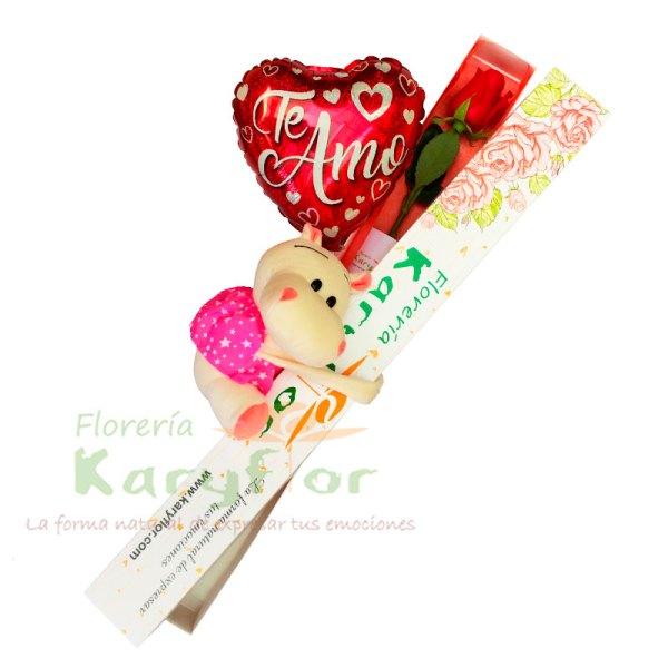 Caja de 1 Rosa con peluche y globo Nº 9, incluye tarjeta dedicatoria y preservante. Pueden adicionar Chocolates y más, ingresando a la opción REGALOS en la parte superior de la Pág. web.