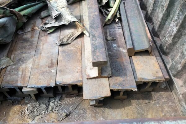 C/R: 'Thieves' grabbed for stealing railway steel at Twifu Nuamakrom 2