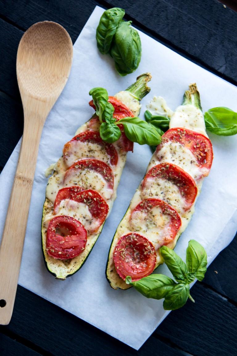 Zucchini-überbacken-mit-Tomaten-und-Mozzarella-3