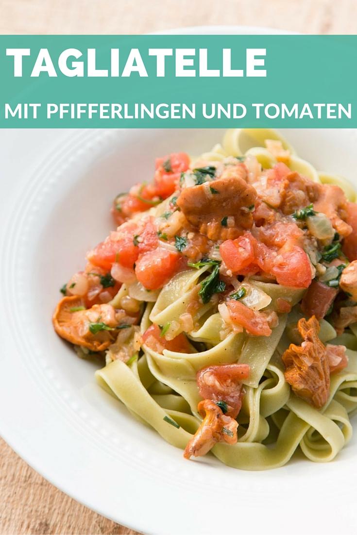 Nudeln-Tagliatelle-mit-Pfifferlingen-und-Tomaten-Sauce-11