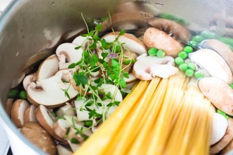 One Pot Zucchini Champignons Pasta