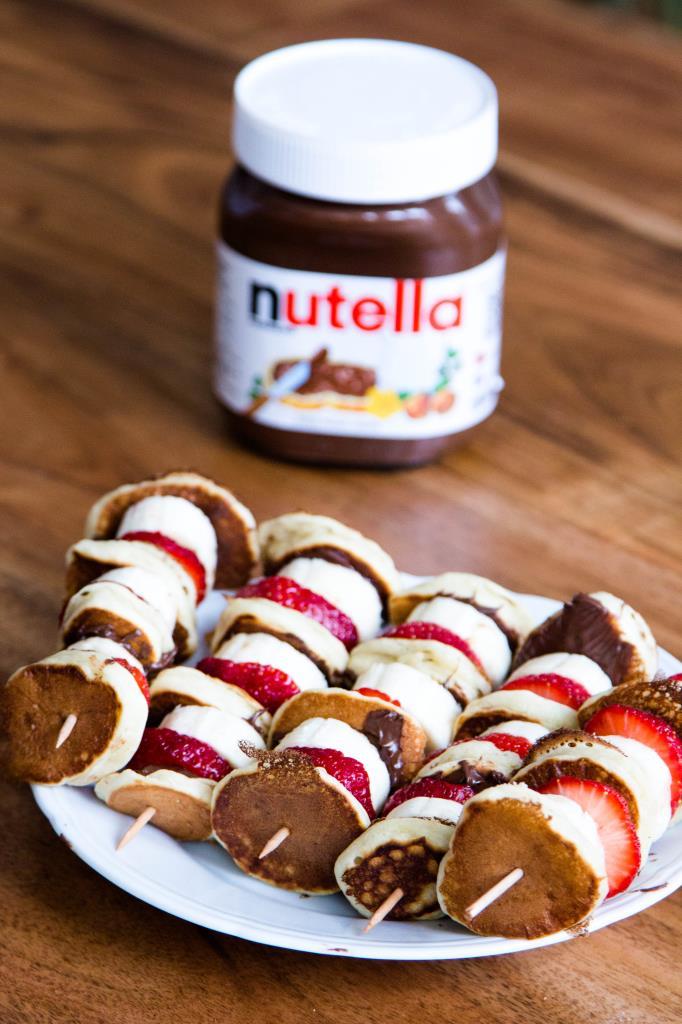 Mini-Pancakes-mit-Erdbeeren-Bananen-und-Nutella-Rezept-07