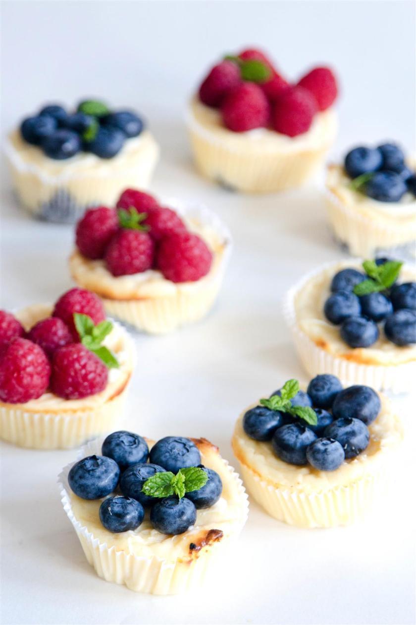 Quarkmuffins-mit-Oreoboden-und-Früchten-Rezept-10
