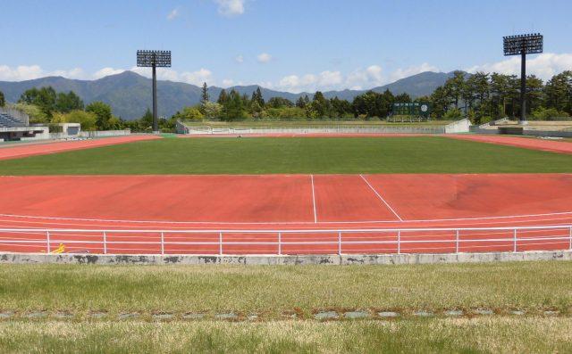 富士北麓公園 陸上競技場 照明 芝生席