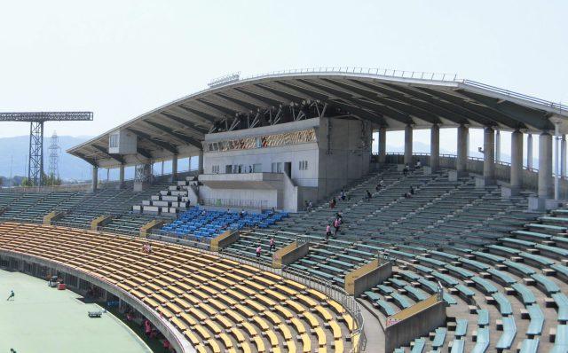 富山 陸上競技場 富山国際ユース 屋根
