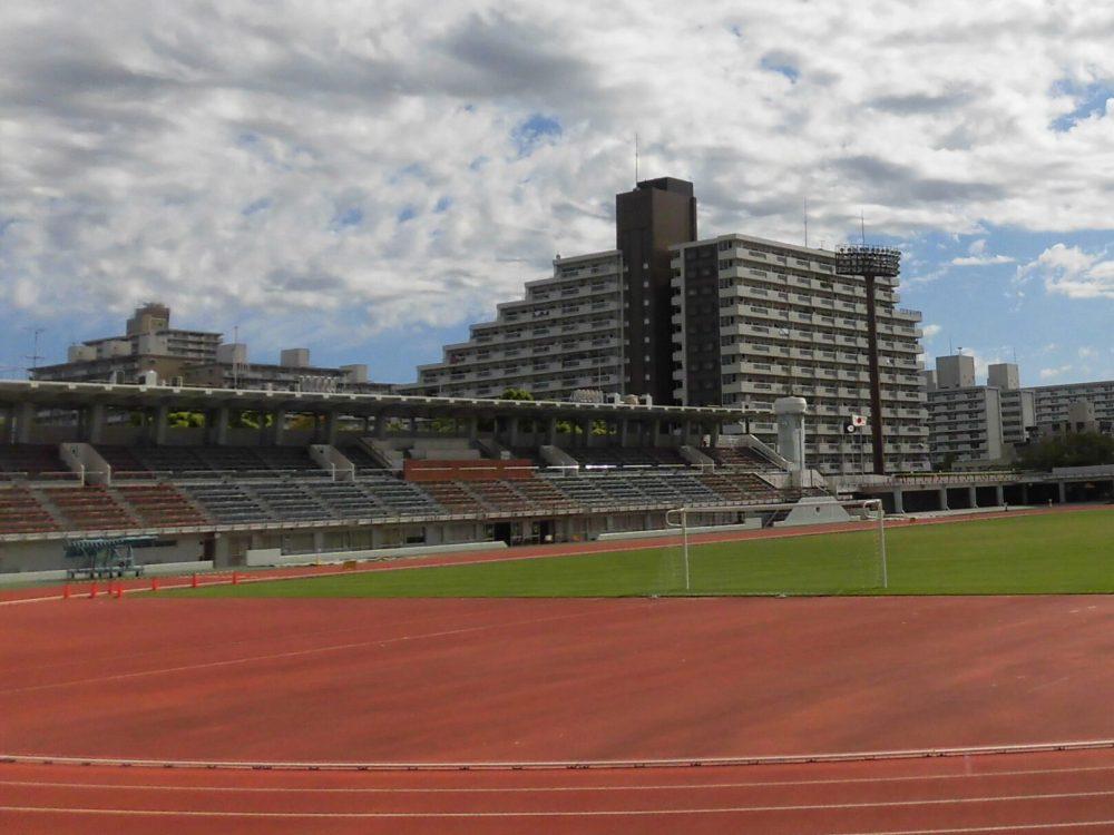 江戸川区陸上競技場 メインスタンド 屋根 サッカー