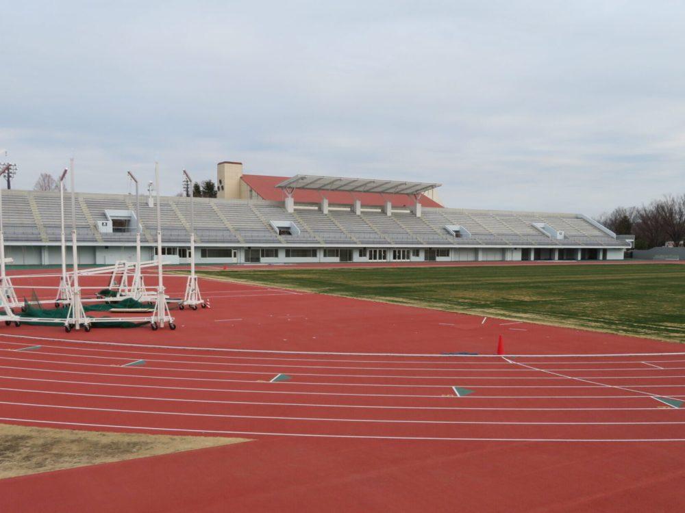 太田市運動公園陸上競技場 メインスタンド 改修 屋根 リニューアル しょぼい