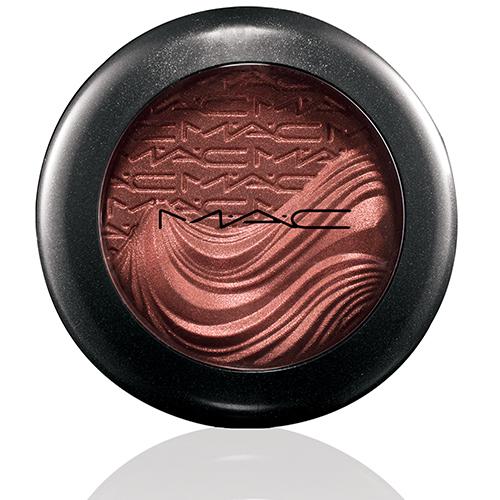 mac in extra dimension eyeshadow amorous alloy