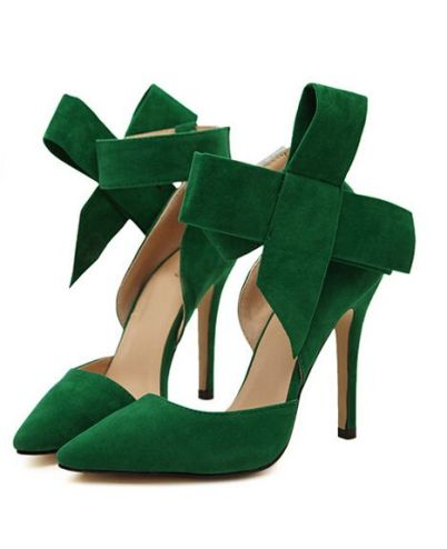 Omg! Heels in green. I could stare at them all day...Sigh! In love...