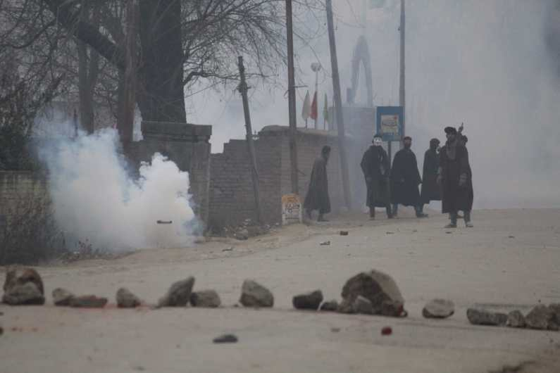 Post burial of slians , voilent clashes erupted in Hajjin