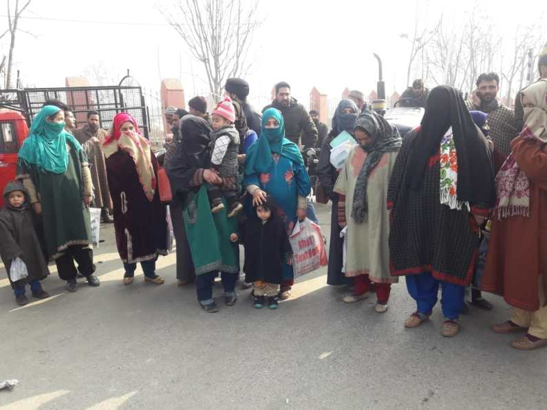 Protest against shortage of docs at MCH hospital in Sopore