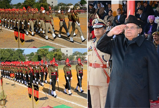 Governor hoists tricolor and reviews parade at State level R-Day function