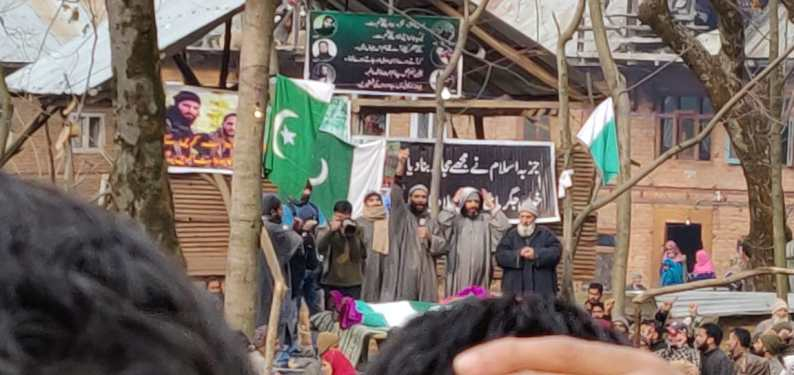 Tral shuts on fourth  consecutive day to mourn militant killings