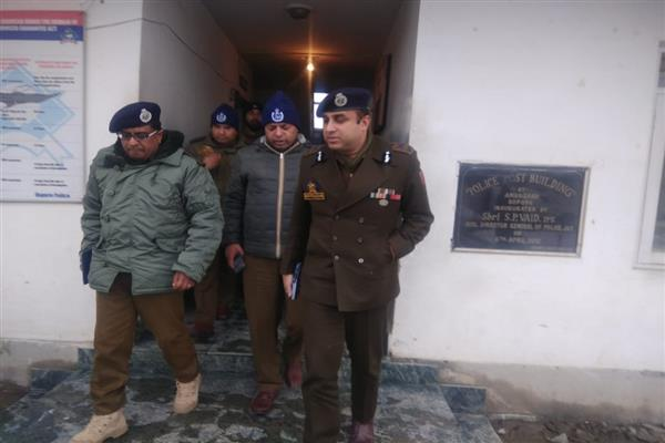 IGP Kashmir visits Sopore, chairs security review meet