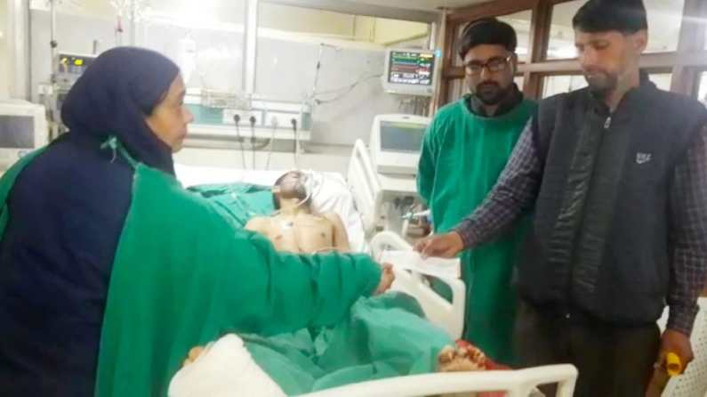 DC Baramulla asks health officials to work with synergy