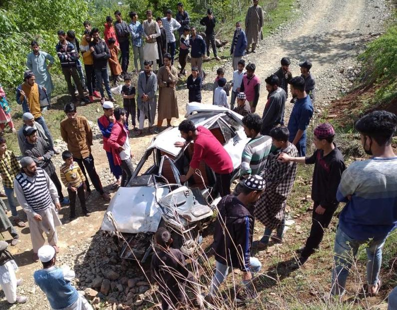 Man killed, another Injured in Bandipora road mishap