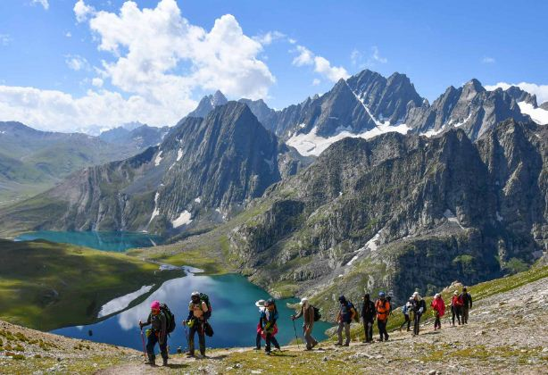TV channels spread lie, situation normal in Kashmir for visit: Tourists