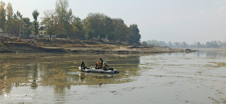 Day 2 : Sopore youth's suicide, rescue operation continue to retrieve the body from river jehlum