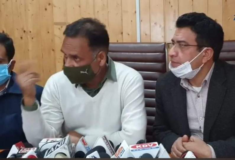 Covid vaccination drive for general public starts, people need to cooperate: Dr Saleem
