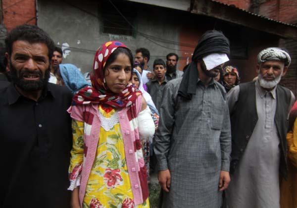 The Khatana family protesting in Srinagar: Photo by Bilal Bahadur