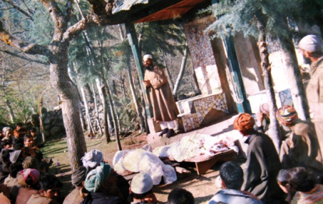 Funeral-of-bodies-of-Pathribal-06