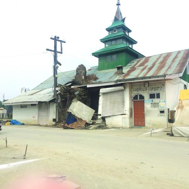 Masjid Rehmatun-lil-Alameen located near Presentation Convent Rajbagh was inundated in recent Floods. Pic: Bilal Bahadur.