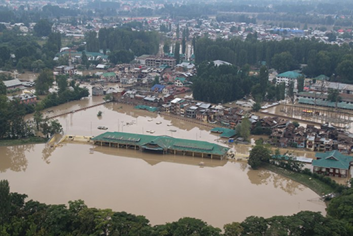 Bakshi-Stadium-Sringar-Submerged-during-Flood-2014