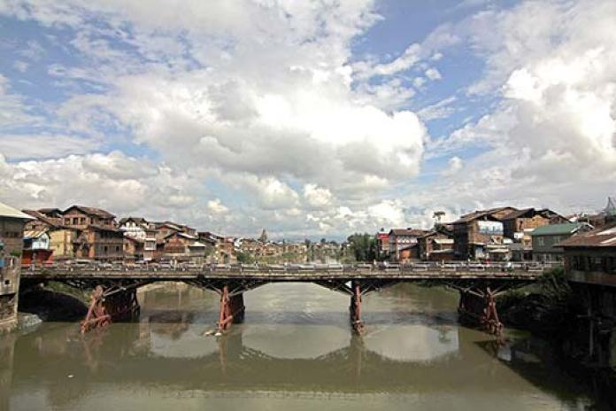 One of the main attractions in Srinagar's old city, the poll contest in Habba Kadal is bound to throw many surprises. Pic: Bilal Bahadur