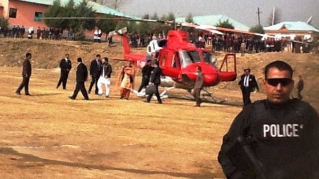 Rahul Gandhi heading towards a public meeting in Lolab