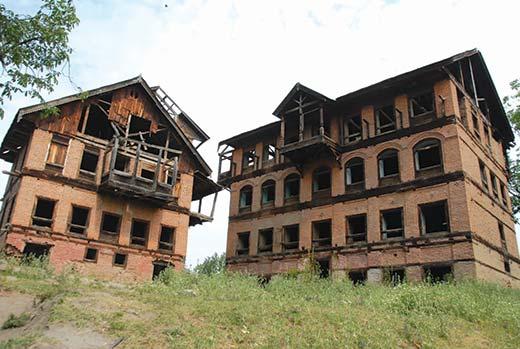 Deserted pandit houses in Haal Pulwama. Pic: Bilal Bahadur